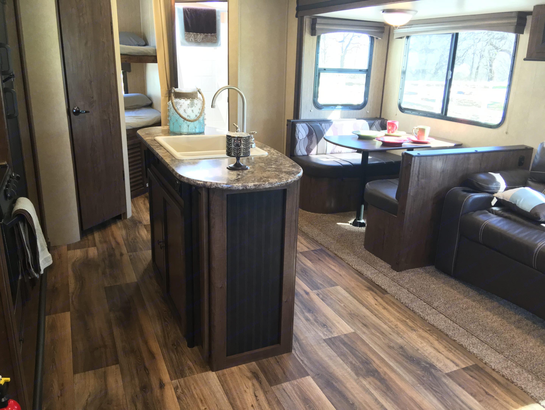 Cruiser RV MPG 2820BH 2016