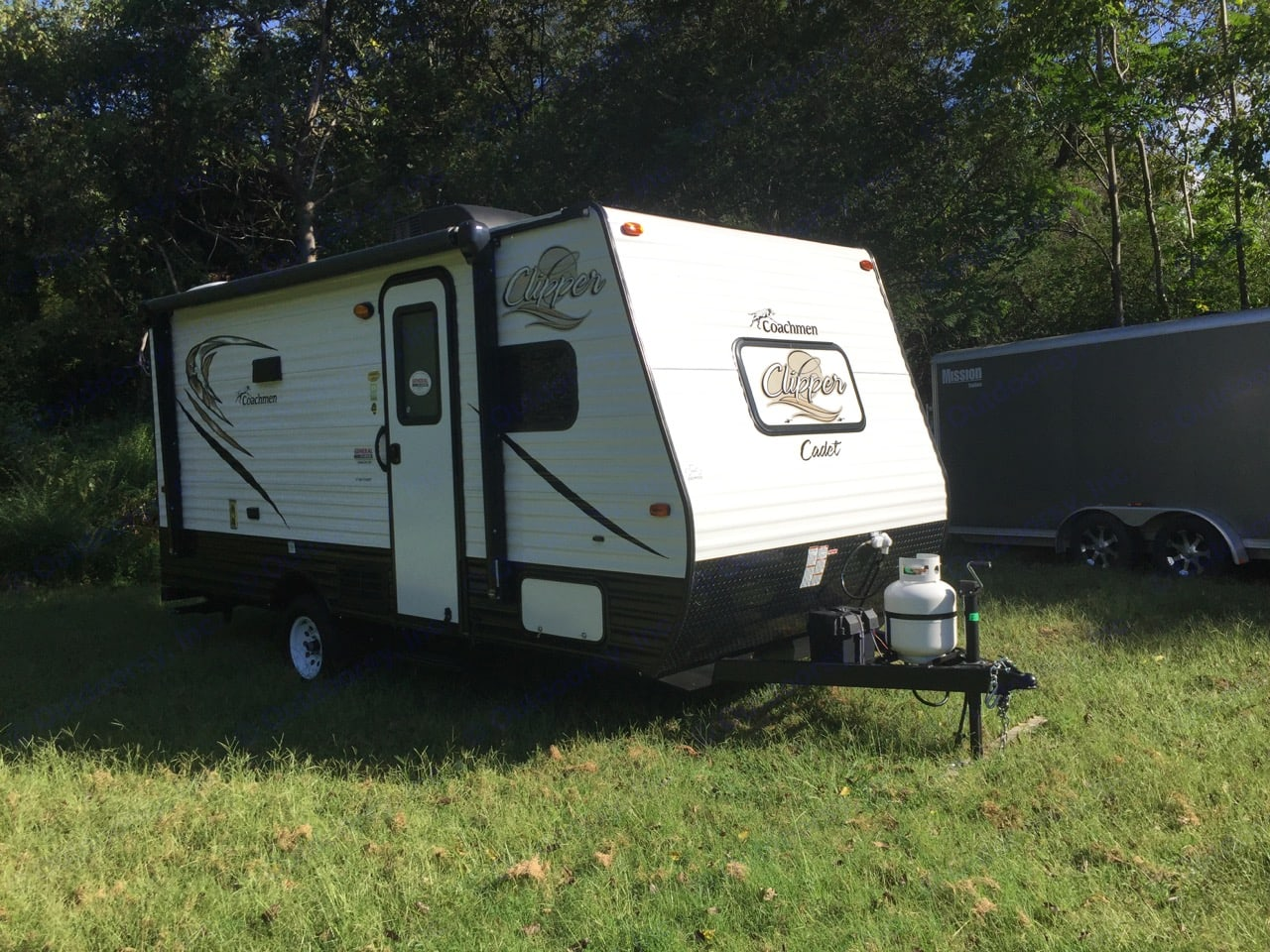 Easy to tow and manage!. Coachmen Clipper 2018