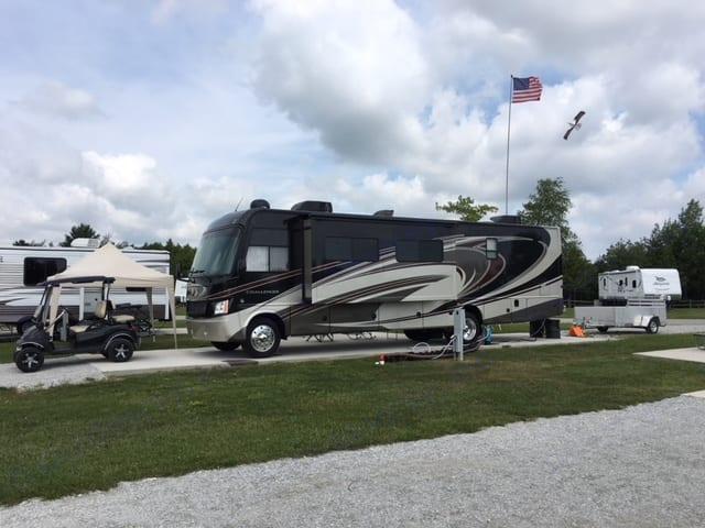 Lake Huron Campground, MI. Thor Motor Coach Challenger 2014
