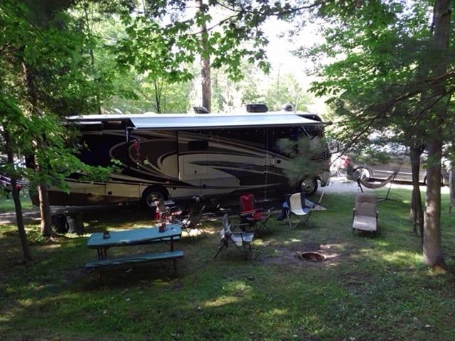 Riverview Campground, MI. Thor Motor Coach Challenger 2014