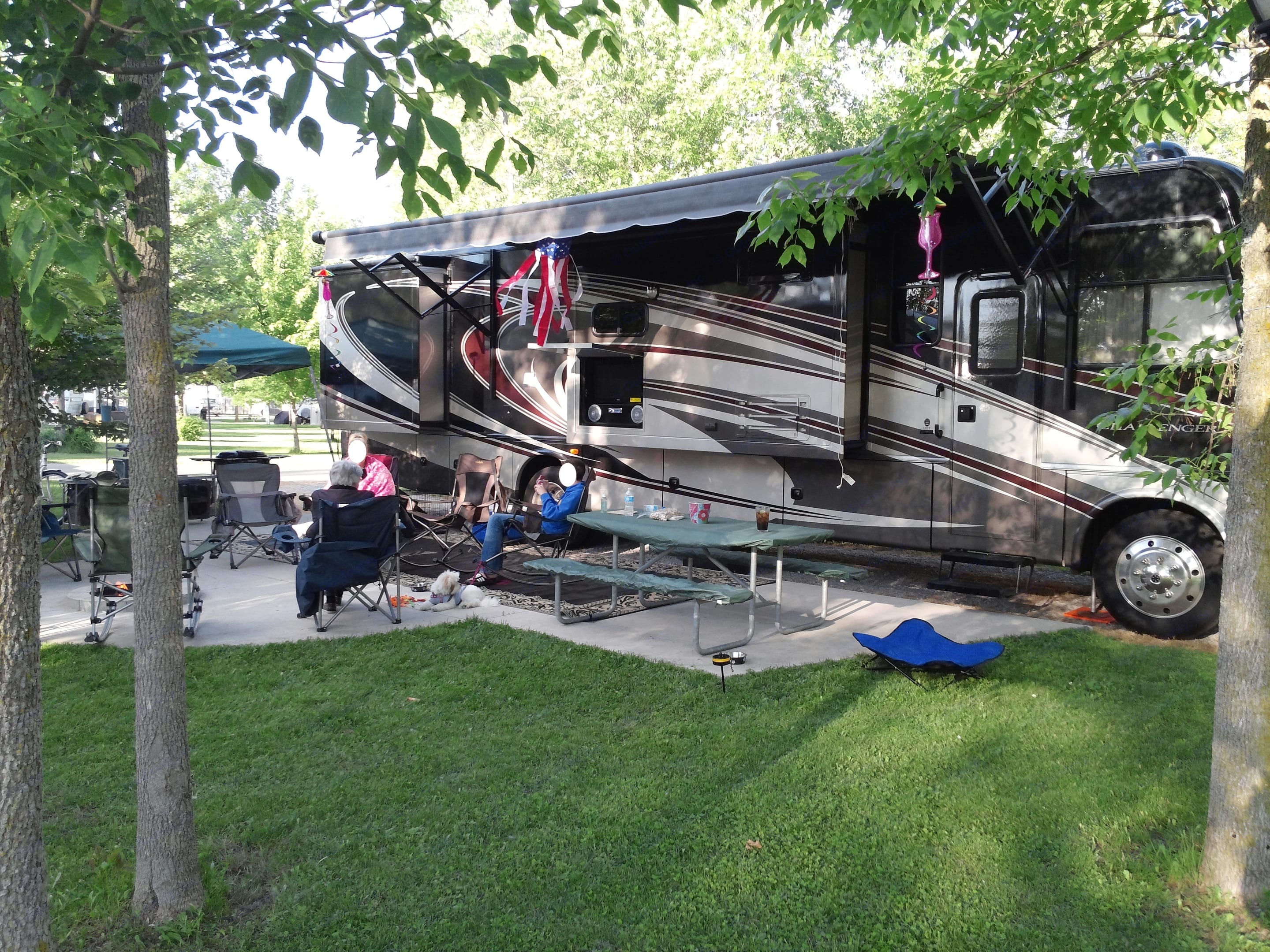 Pine River. Thor Motor Coach Challenger 2014
