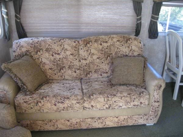 Living Room sleeper couch with memory foam matress. Coachmen Chaparral 2005