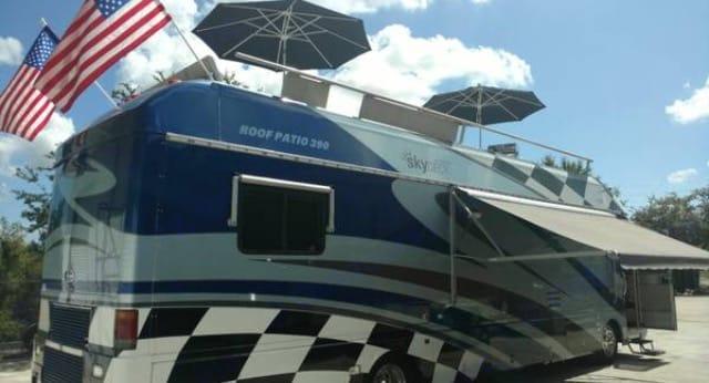 Sky deck 390  Land Yacht. Airstream Land Yacht 2009