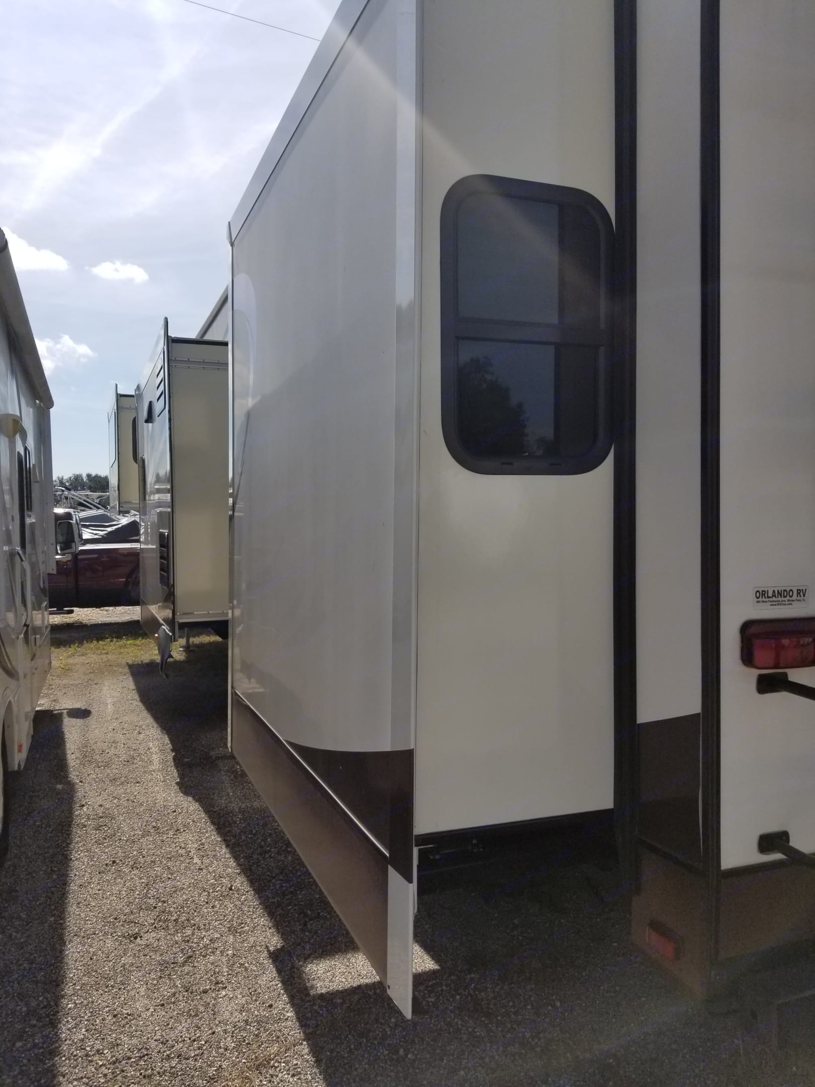 Looking at the Left side of the RV from the rear with the slides extended.. Jayco Eagle Premier 2015