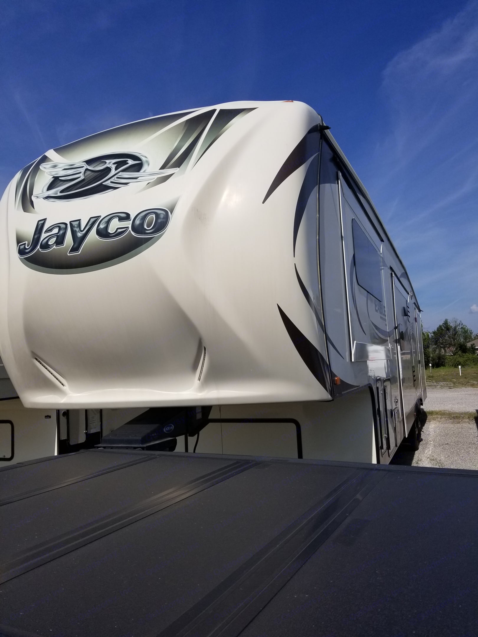 Looking at the Left side of the RV from the front with the slides retracted.. Jayco Eagle Premier 2015