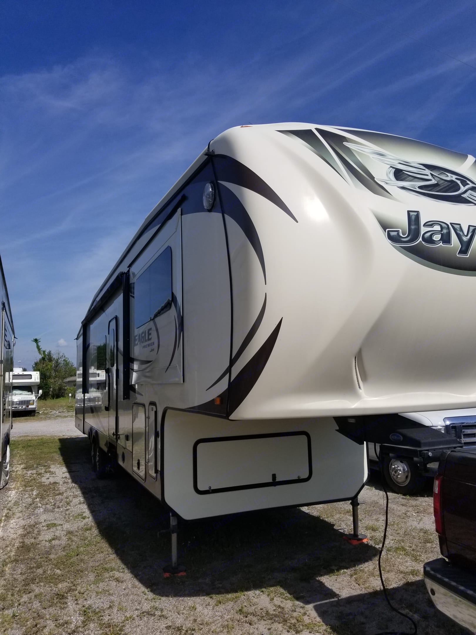 Looking at the Right side of the RV from the front with the slides retracted.. Jayco Eagle Premier 2015