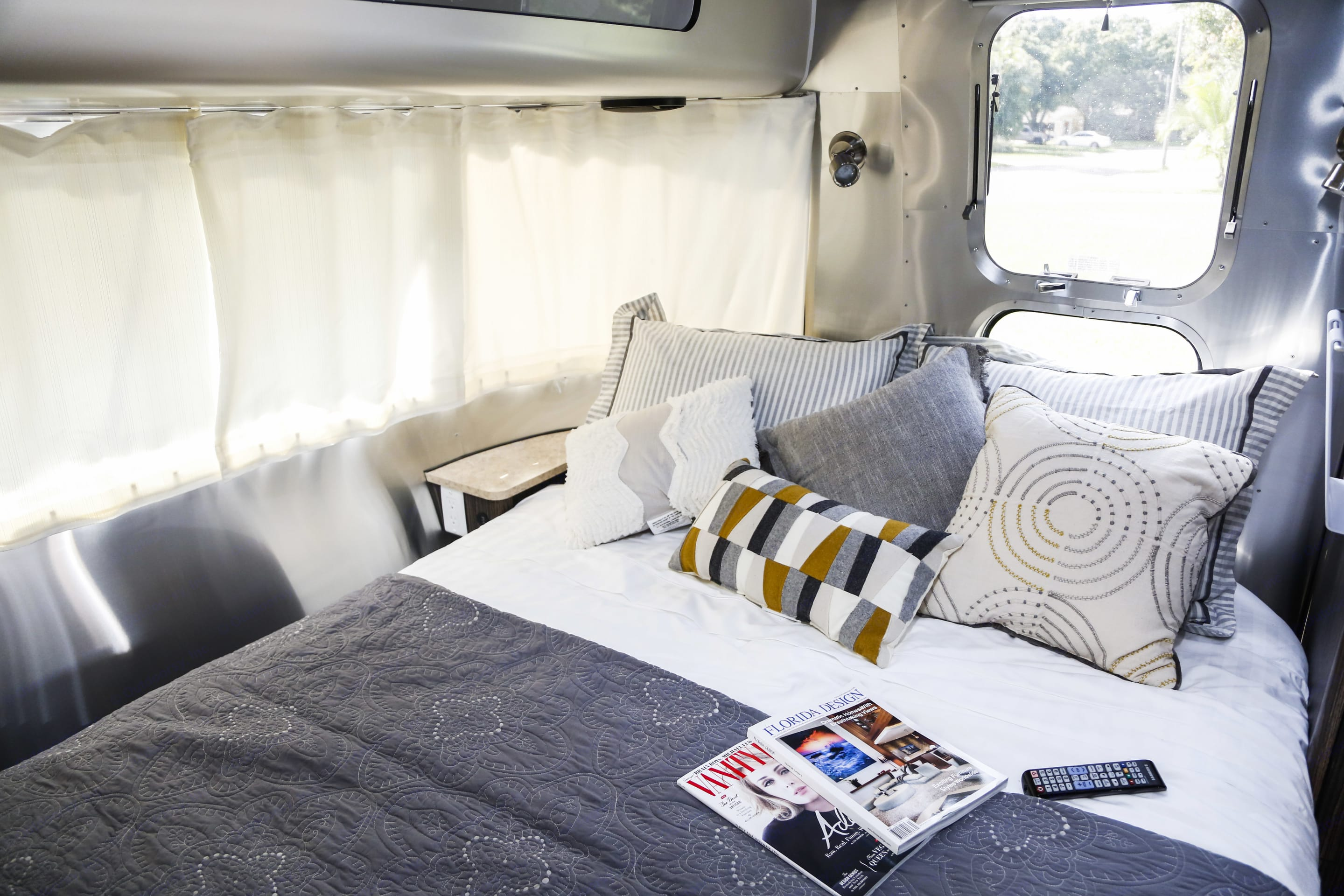 We will provide all the linens you need including sheets, blankets, fluffy pillows and bath towels.. Airstream International 2016