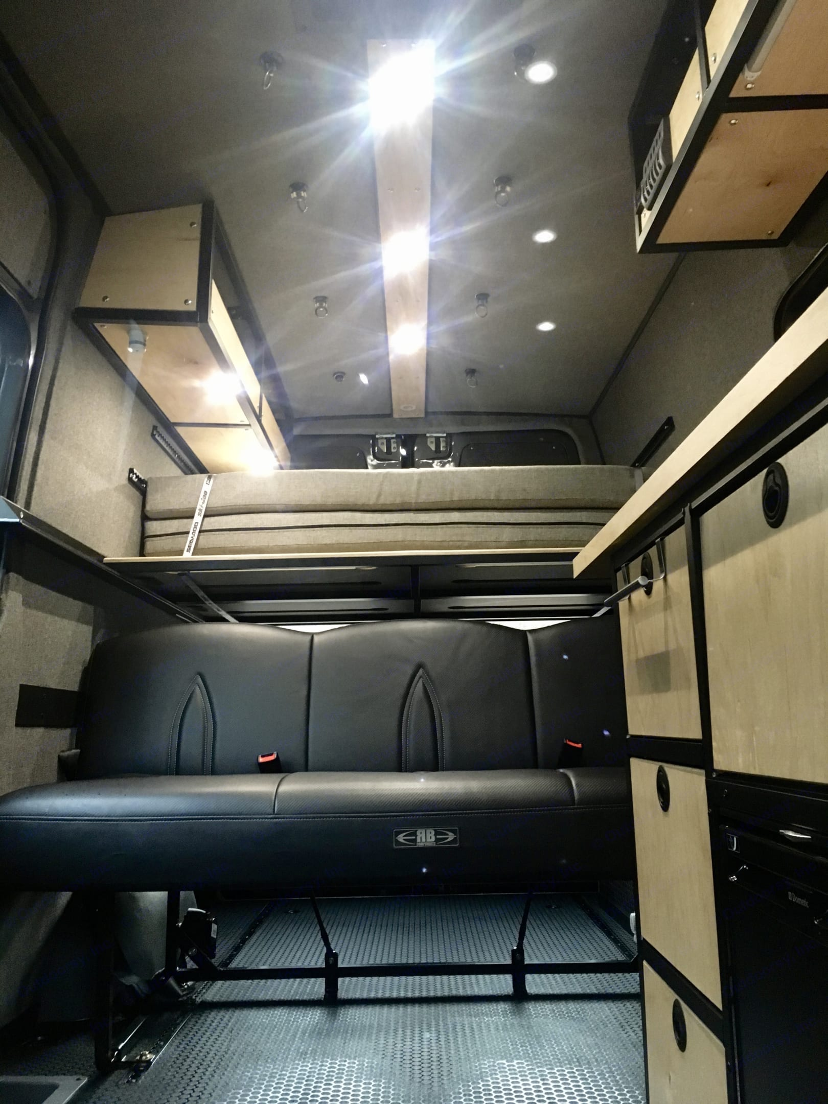 MB 2WD Sprinter 144 High Roof 2016