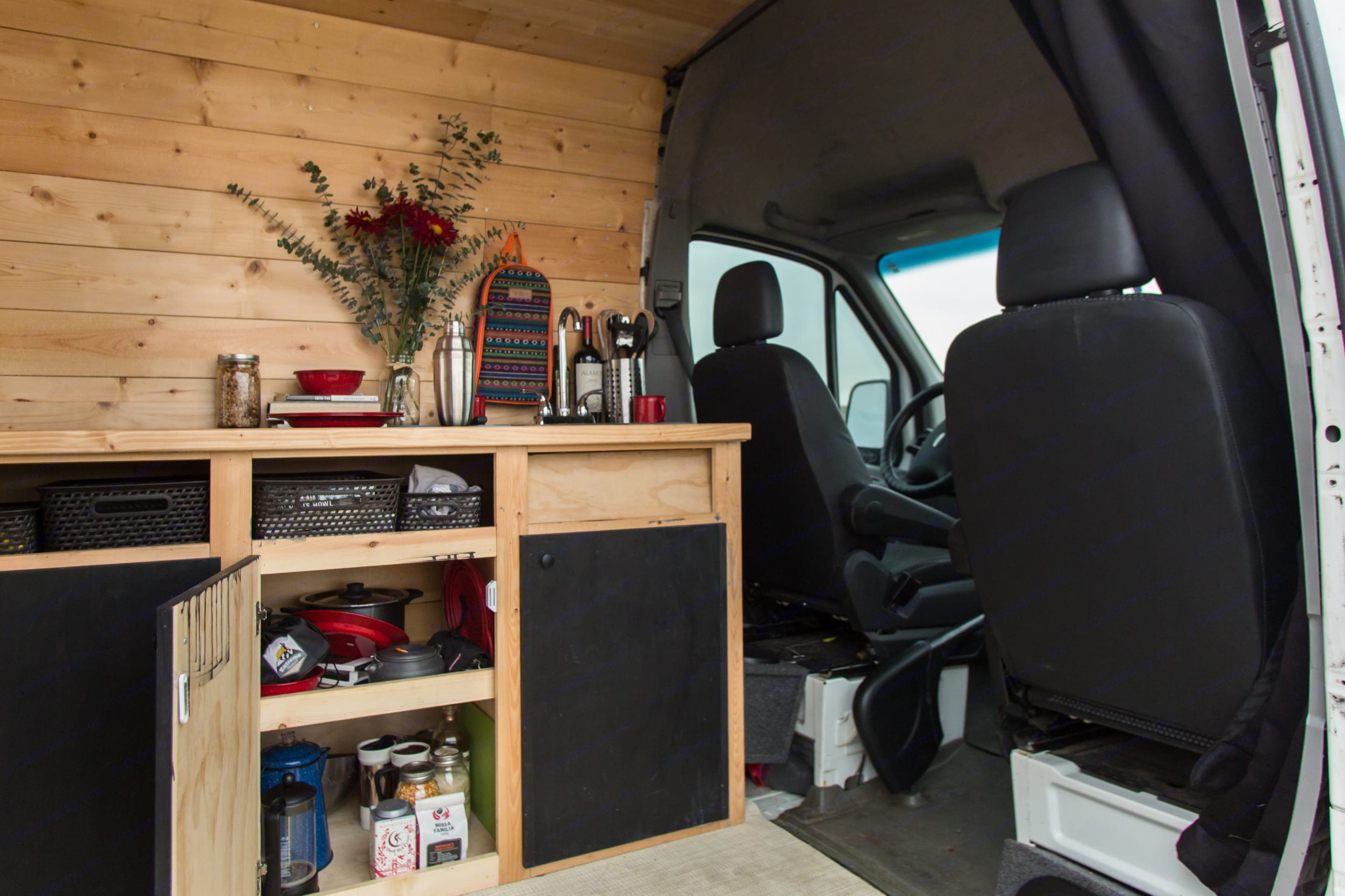 Cooking essentials to fix your meals are included with your rental.. Freightliner Sprinter 2007