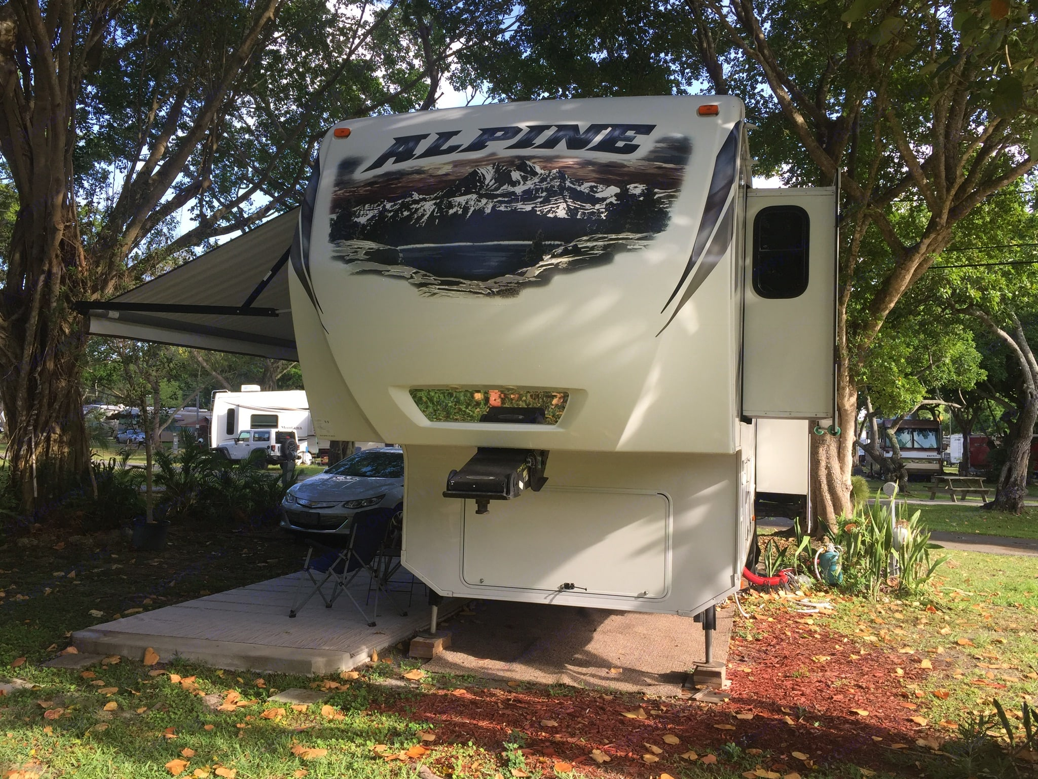 If you're planning to tow the RV, the front cap is designed to have a 30% better turning radius and 18% better drag efficiency for easier and economical towing.. Keystone Alpine 2014