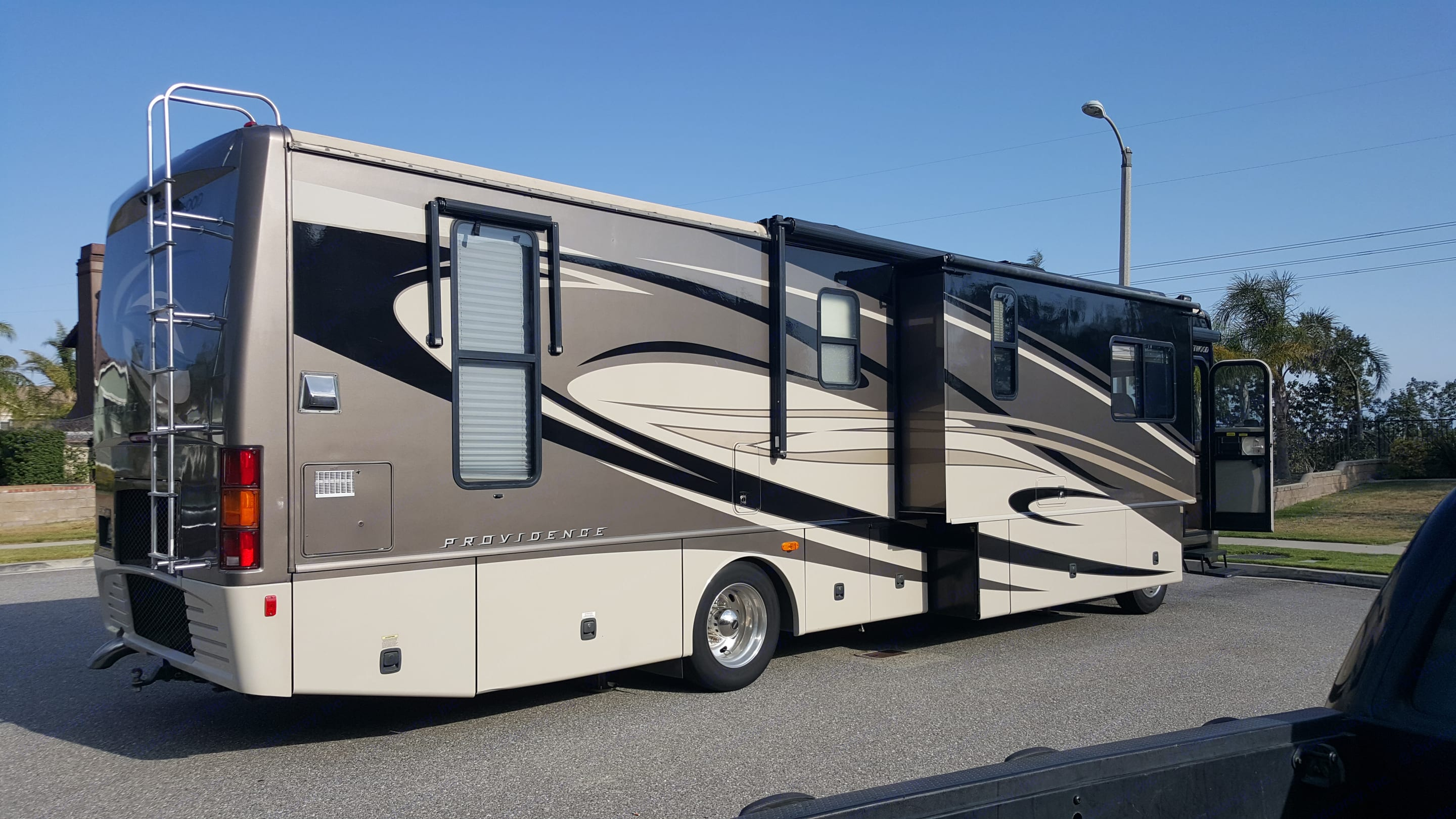 Awnings for patio and all windows!  Plenty of storage for 2 week travels!. Fleetwood Providence 2007