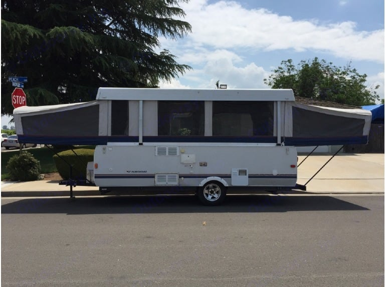 Easy to setup, I can deliver/pickup to Broward County RV Parks at no additional cost. I can also setup the camper in minutes for your convenience.. Fleetwood Highlander Sequoia