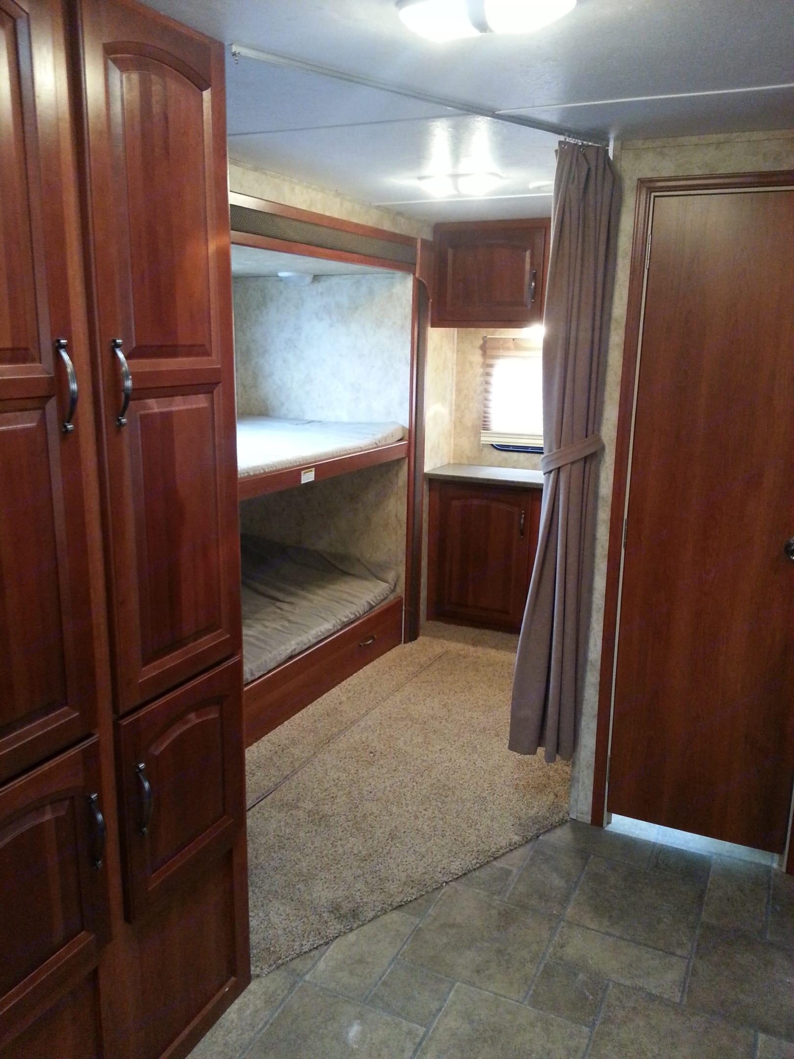 2 twin size bunks. Keystone 11C 2011