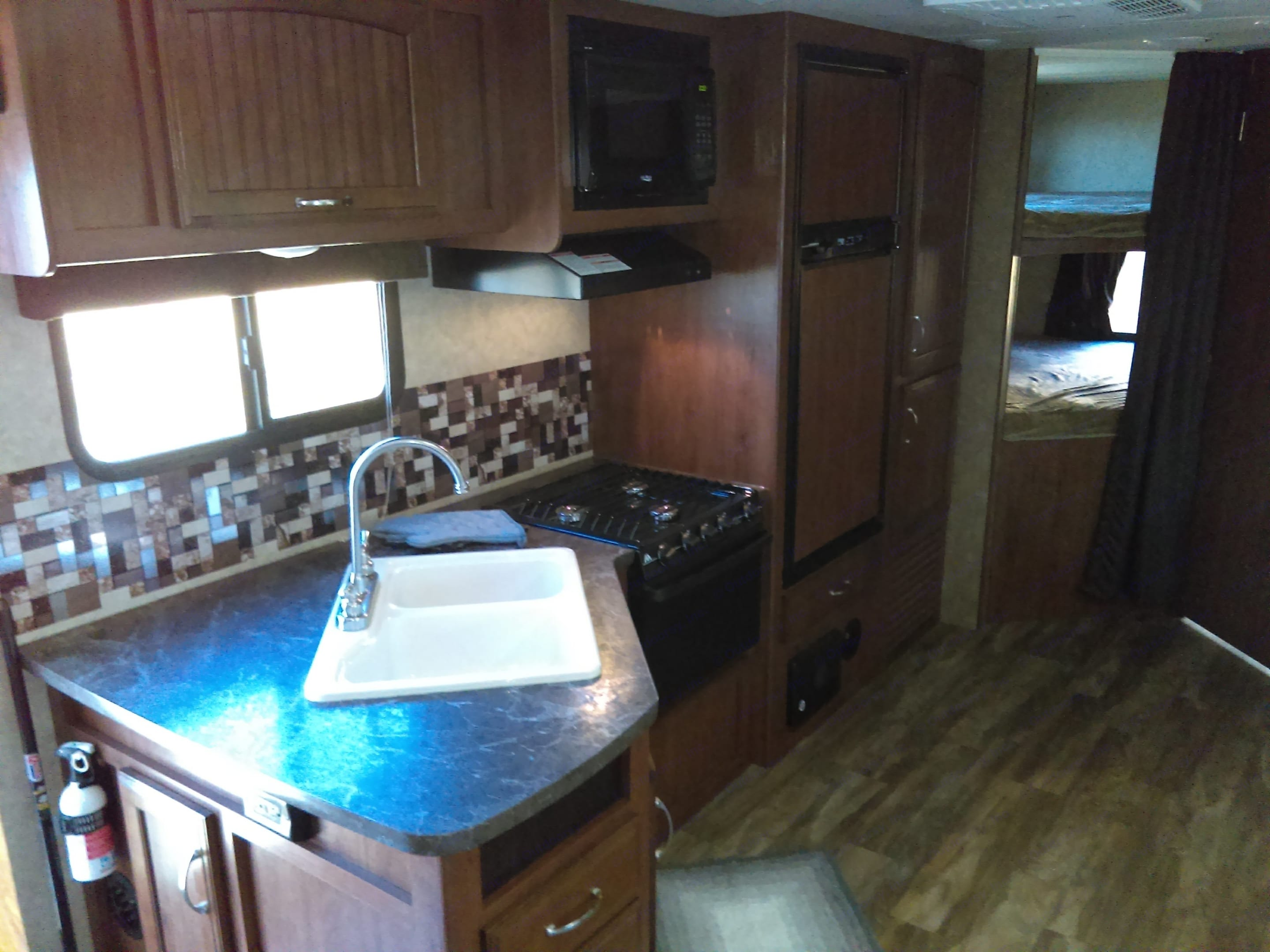 Fully equipped kitchen. Jayco Jay Feather 2017