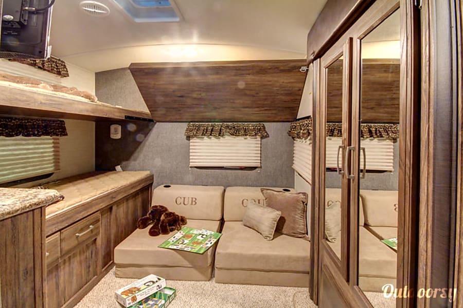 2nd bedroom. Keystone Cougar 2016
