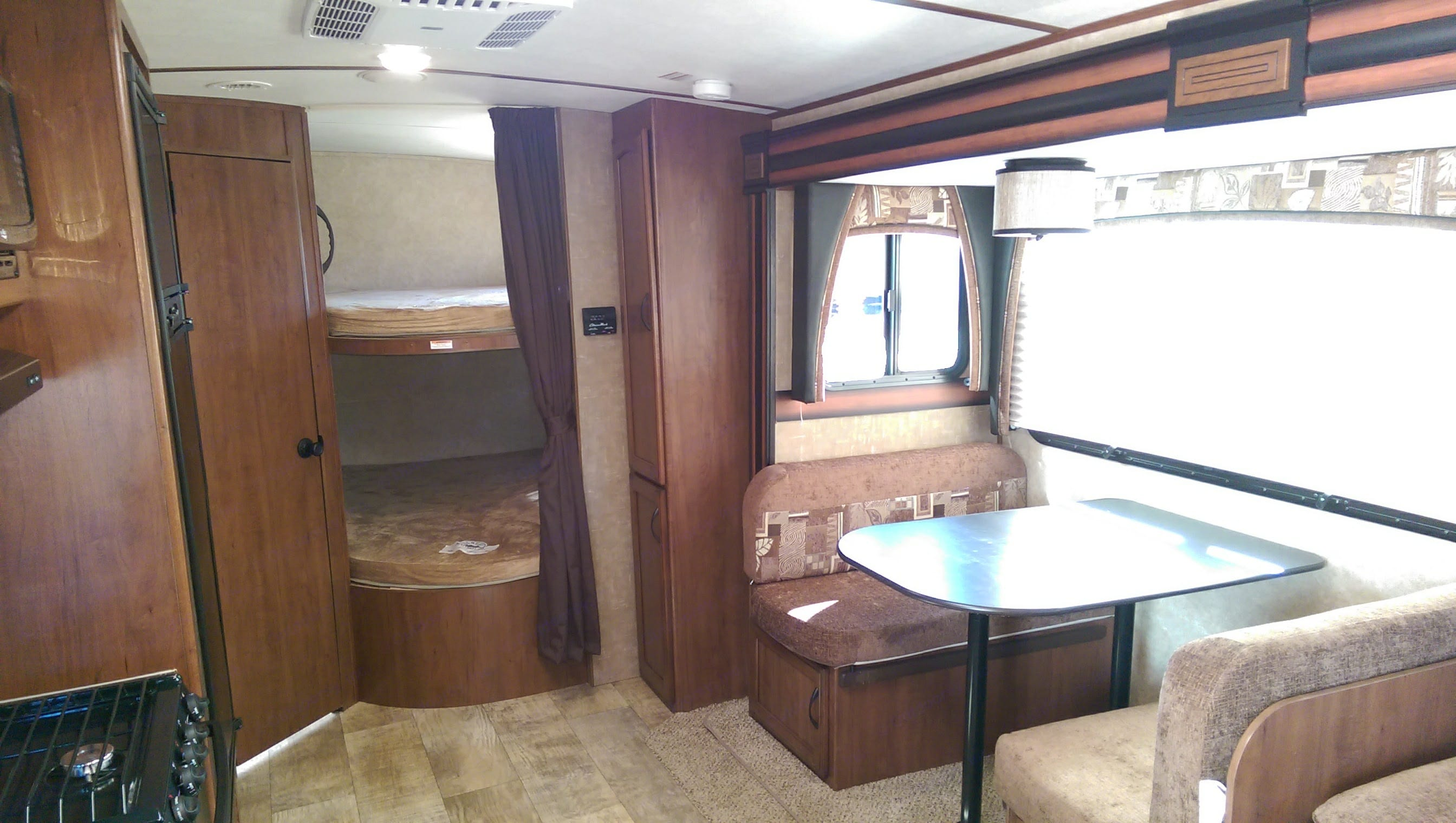 The camper has bunks and sleeping capacity is 8.. Jayco White Hawk 2016