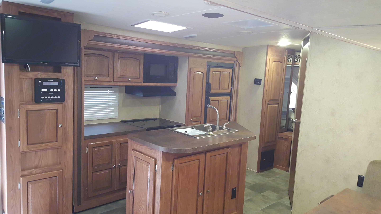 Kitchen Area. Flagstaff Shamrock 2014
