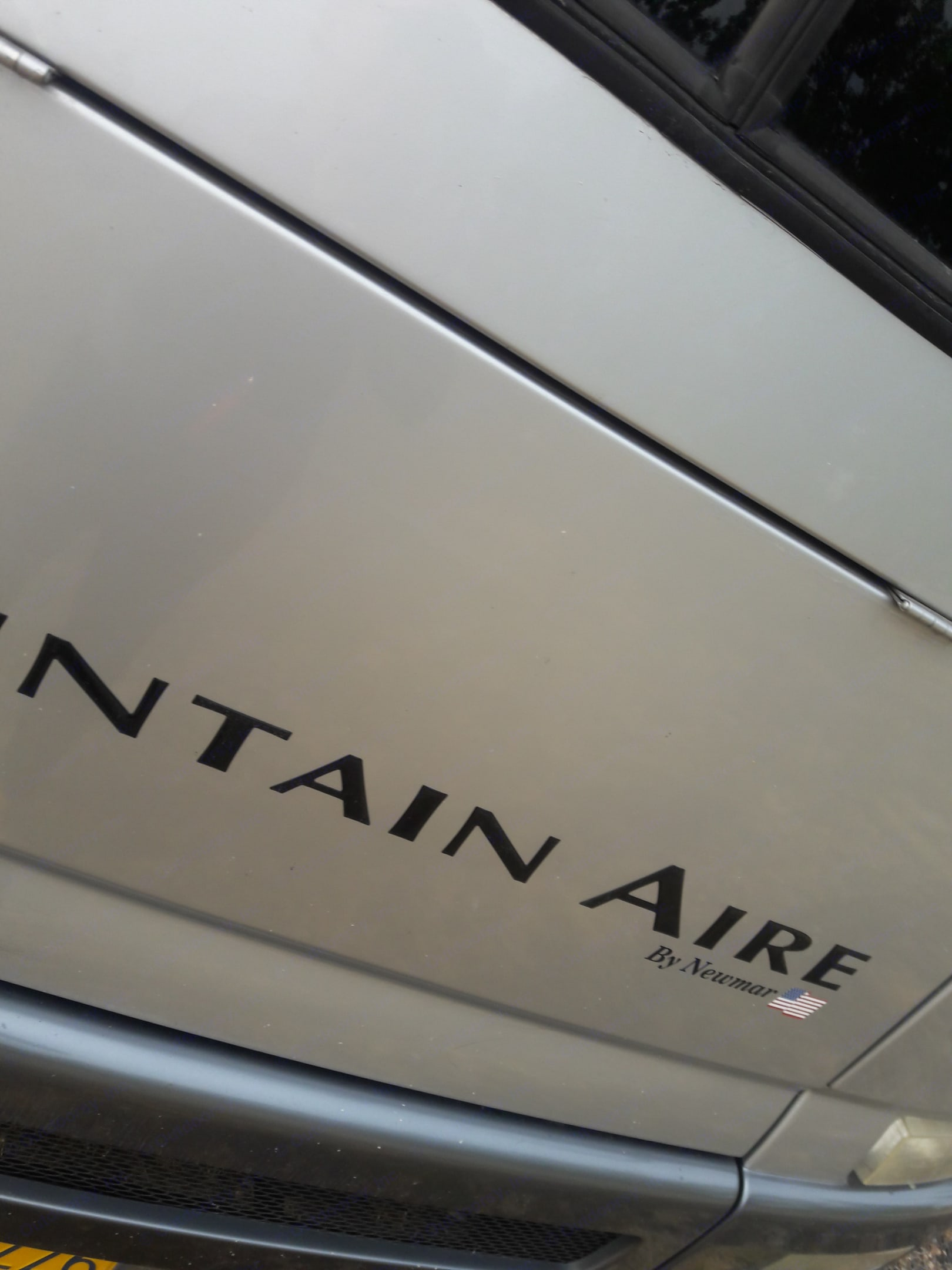 Newmar Mountain Aire 2001