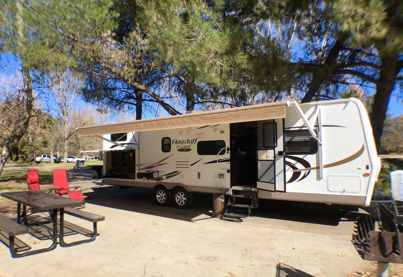 Outdoor entertaining at it's best!. Flagstaff Super Lite 2011