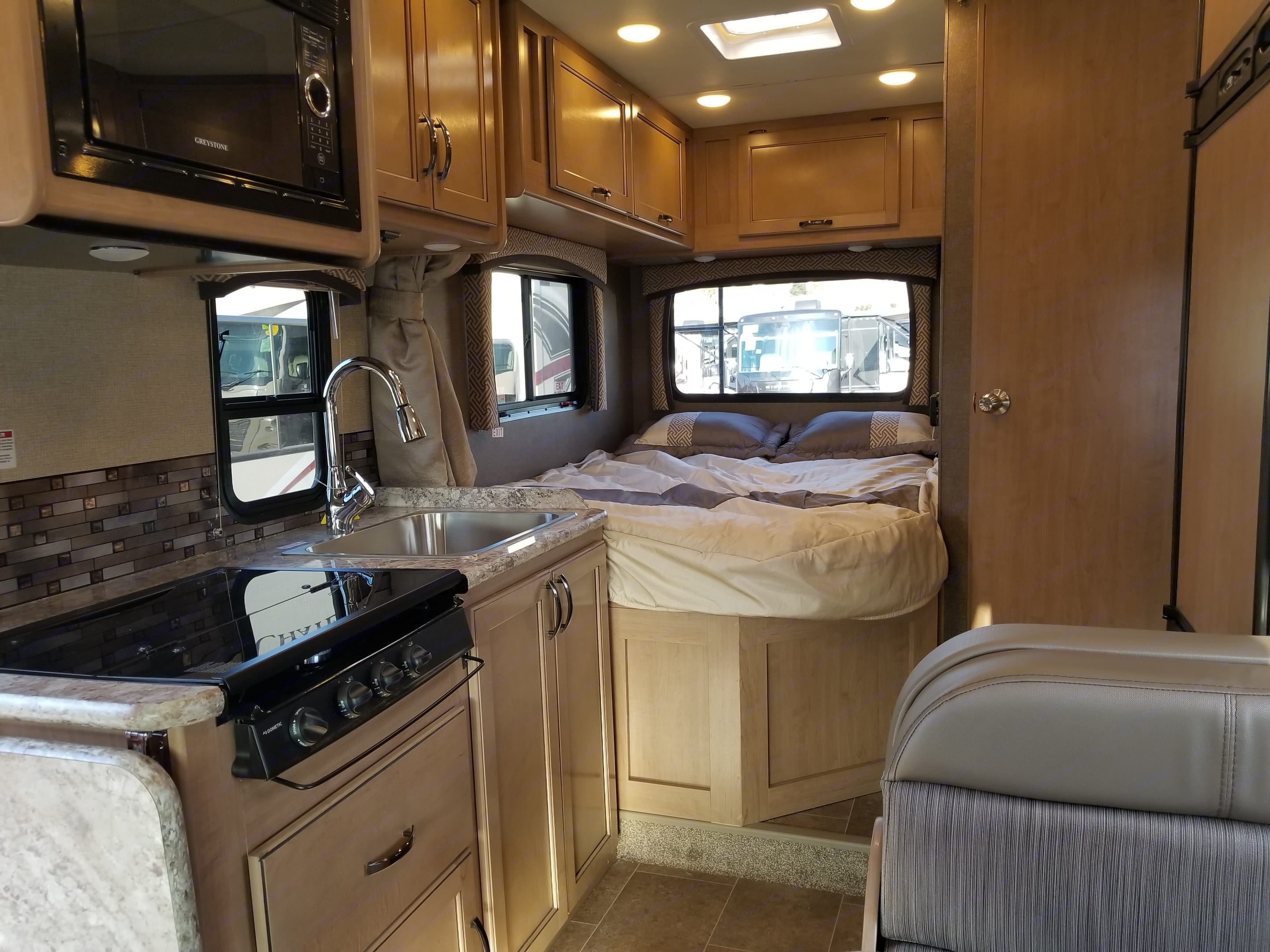 Gas stove, refrigerator, micro-range in stock. . Thor Motor Coach Chateau 2018