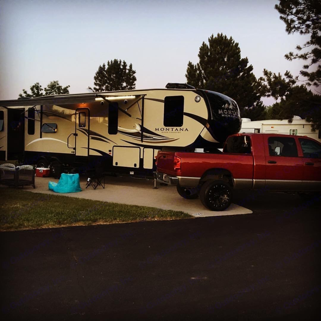 All set up and ready for a vacation full of comfort and relaxation! . Keystone Montana High Country 2017