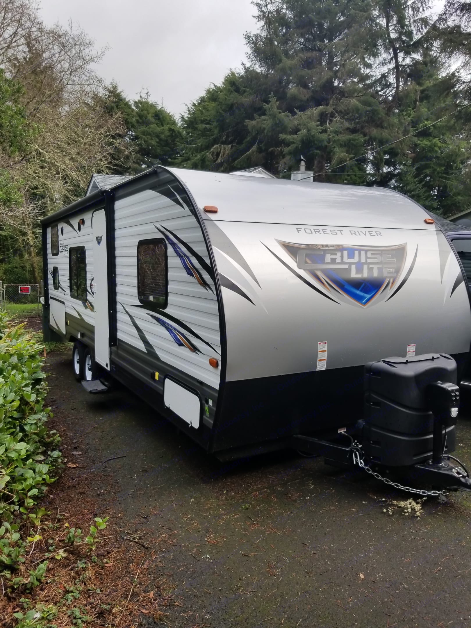 Salem Cruise Lite 261BHXL! All power! Power jacks, power awning with outdoor speakers and LED party light! . Forest River Salem Cruise Lite 2017