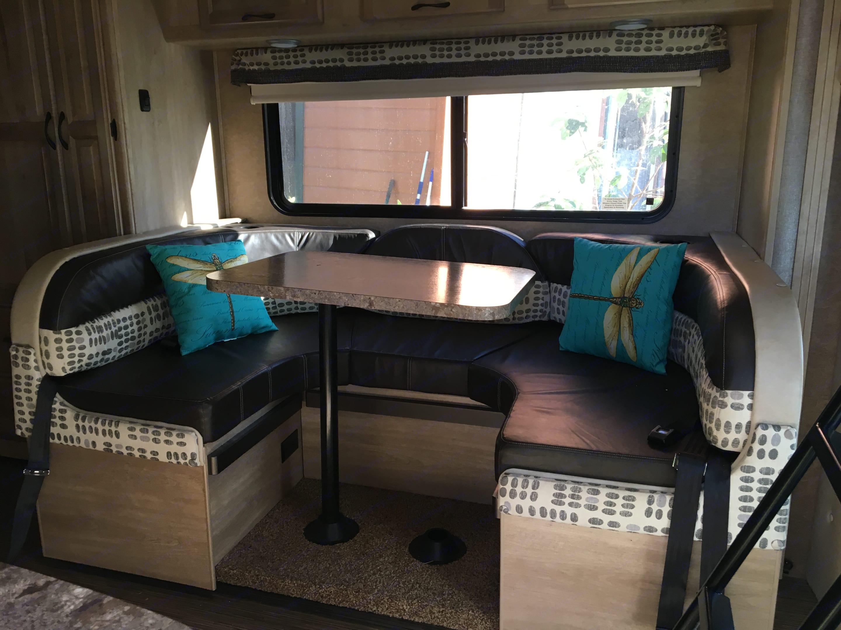 Dinette that converts to additional sleeping area . Coachmen Prism 2015
