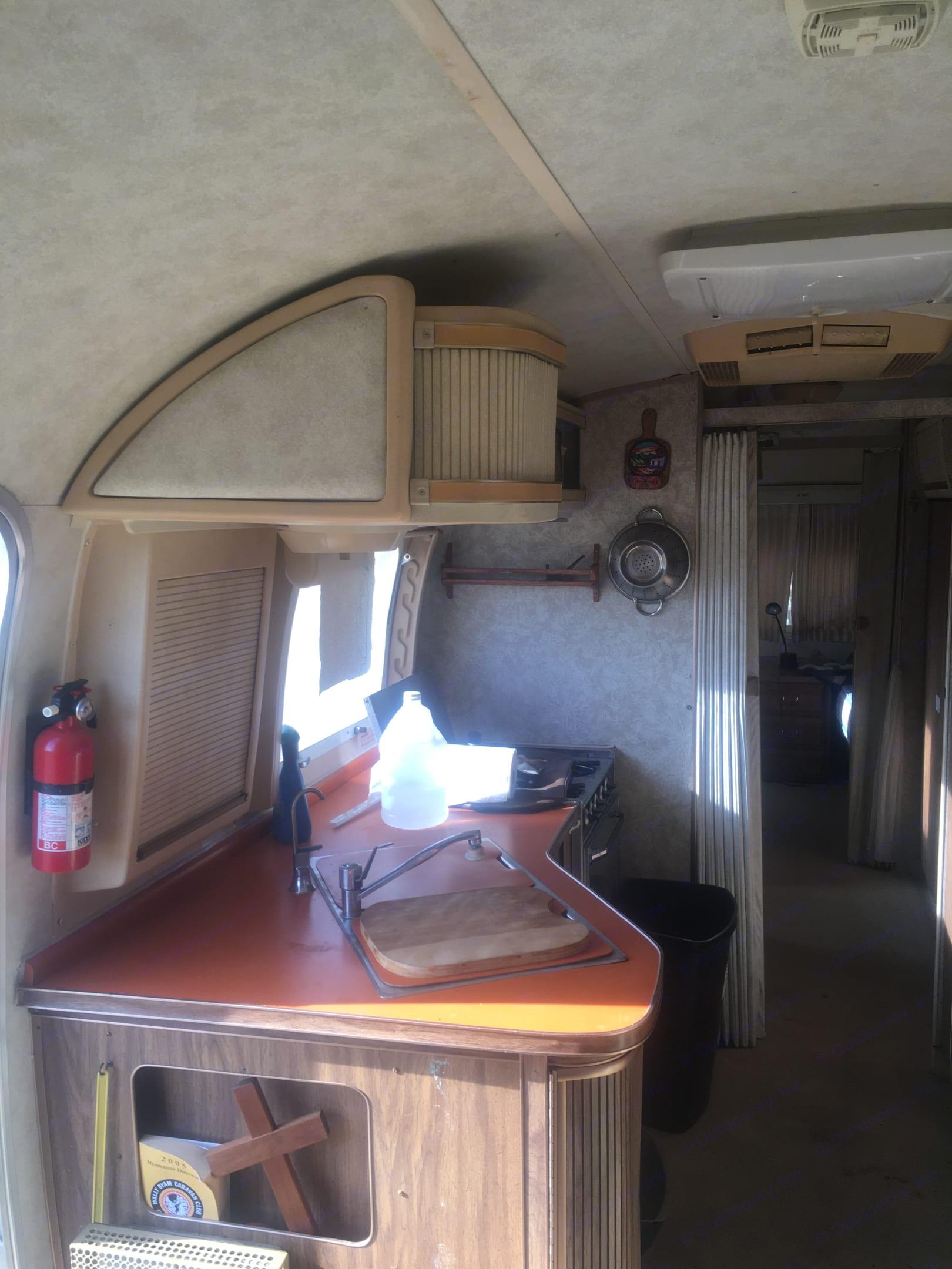 Airstream International 1977