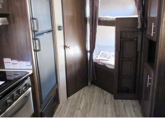 Everything you need in a travel trailer... and then some!. Forest River Cherokee Grey Wolf 2016