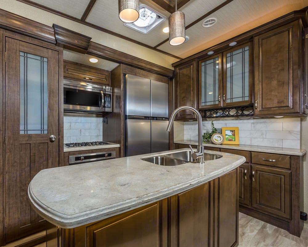 Kitchen. Grand Design Solitude 2017