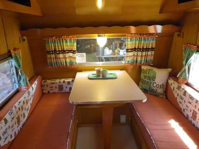 Dining area that folds down into a KING bed. Shasta Other 1962