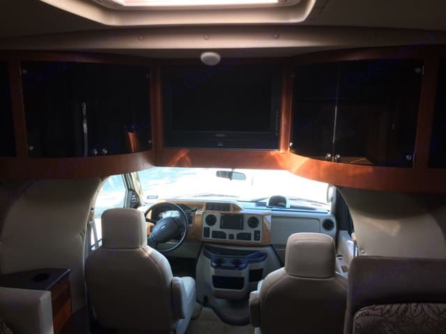 DVD Player, with surround sound - CD player and Antenna Wi-Fi hook up. Winnebago Aspect 2011