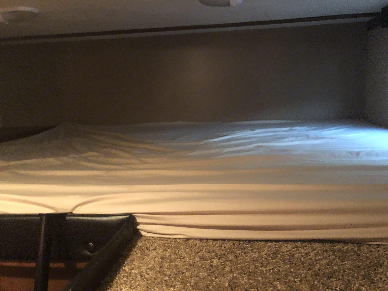 Loft Queen Bed. Dutchmen Voltage 2014