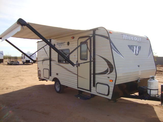 Lite weight ! Easy to Tow with any lite duty SUV or Pick Up , weighs just 3300 lbs , Easy to operate patio awning.. Keystone Other 2016