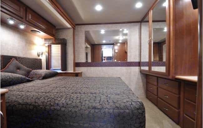 Master Bedroom. Fleetwood Southwind 2008