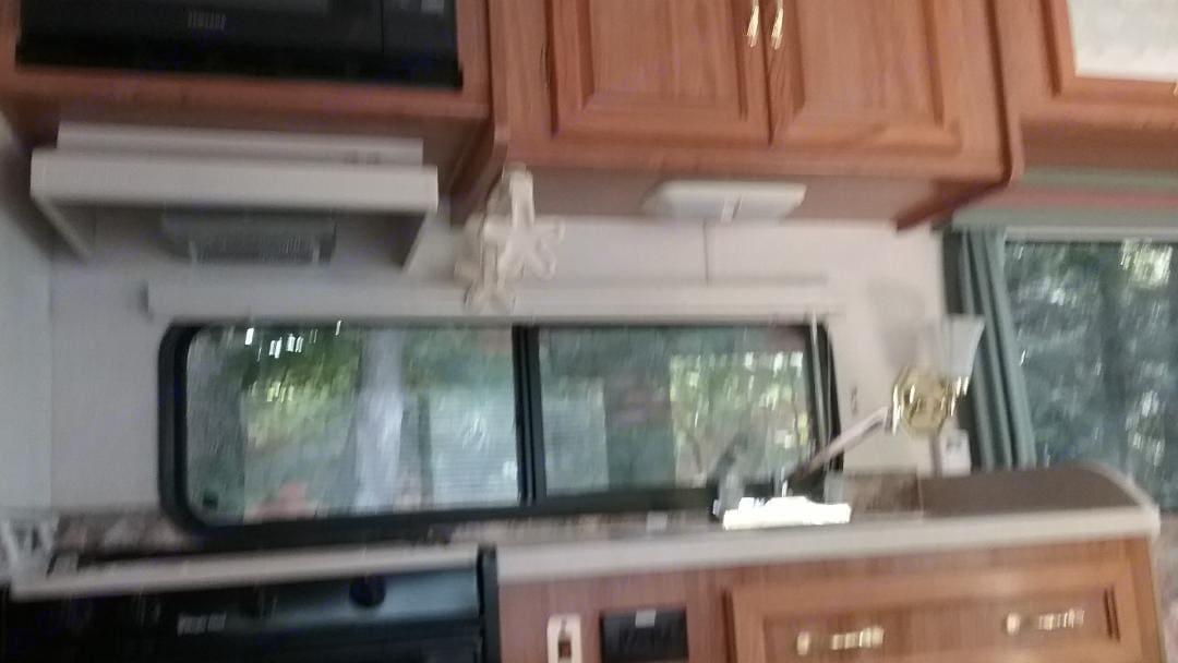 Kitchen. Coachmen Mirada 1999