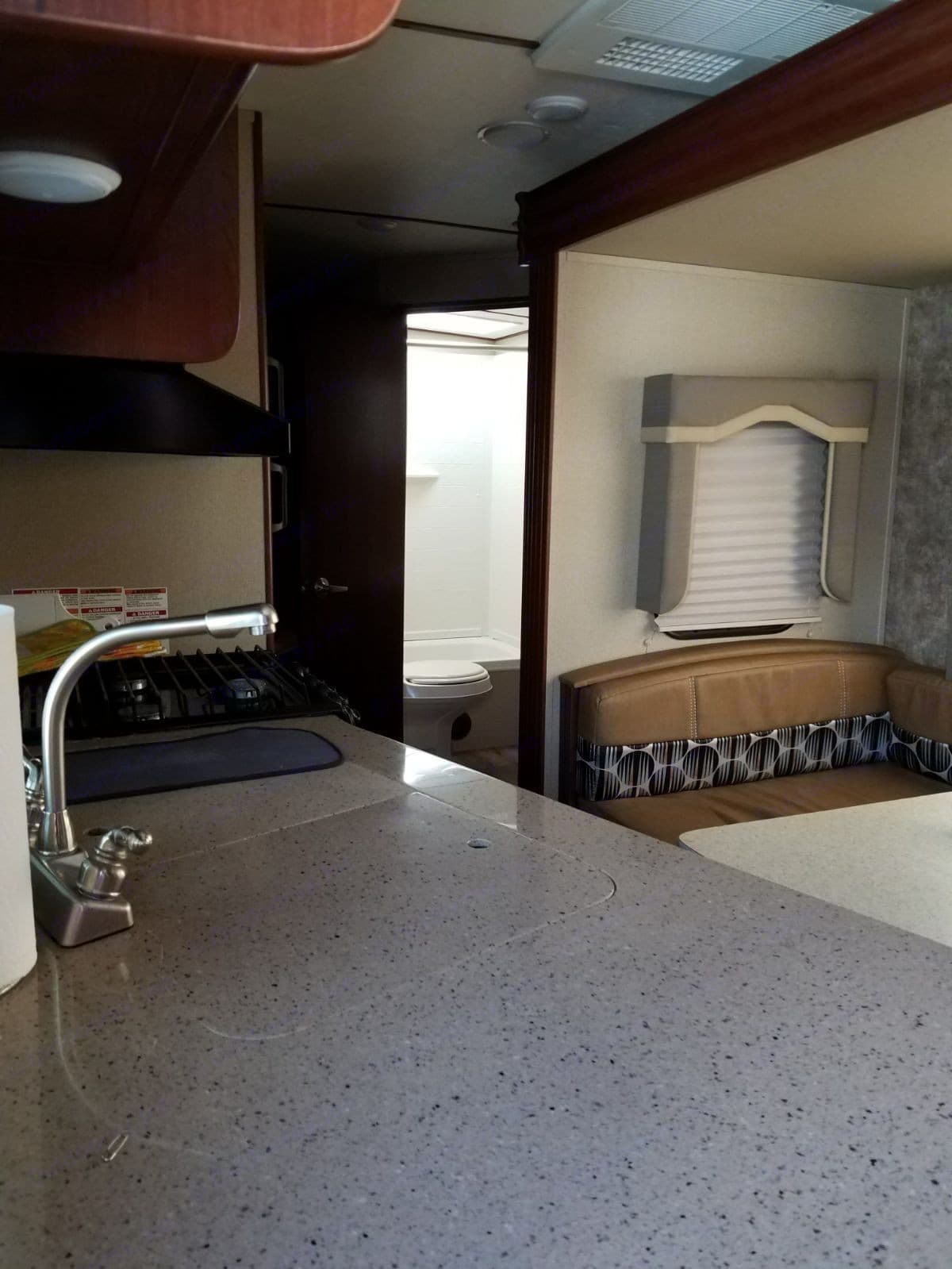 Kitchen and dining room pull out. Evergreen I-Go 2016