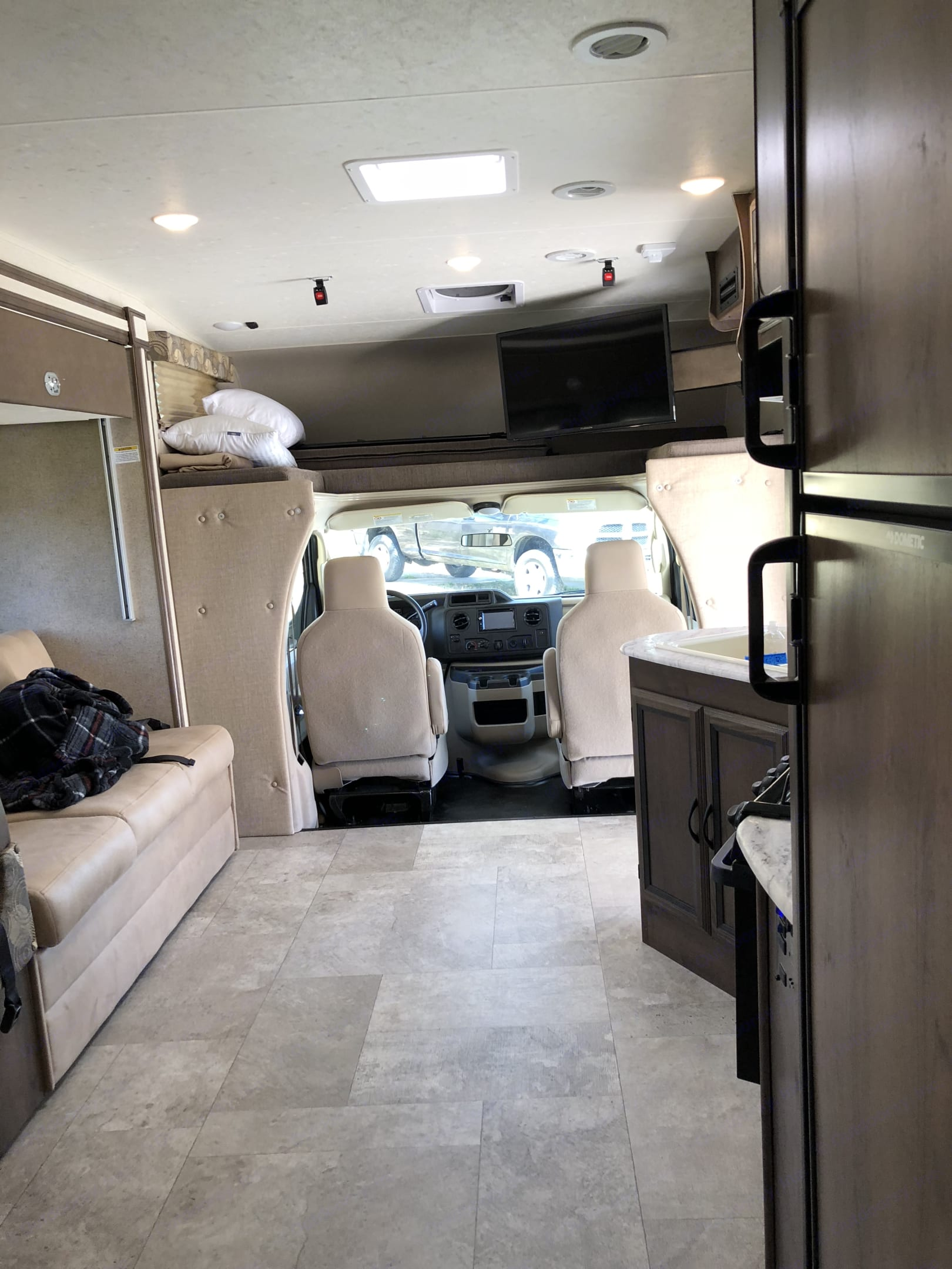 Large overcab sleeping area with ladder access. Coachmen Freelander 28BHS 2019