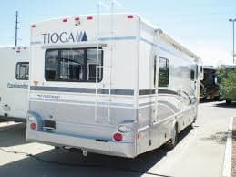 Rear end, my rig has a tow hitch but no trailer brakes.. Fleetwood Tioga 2007