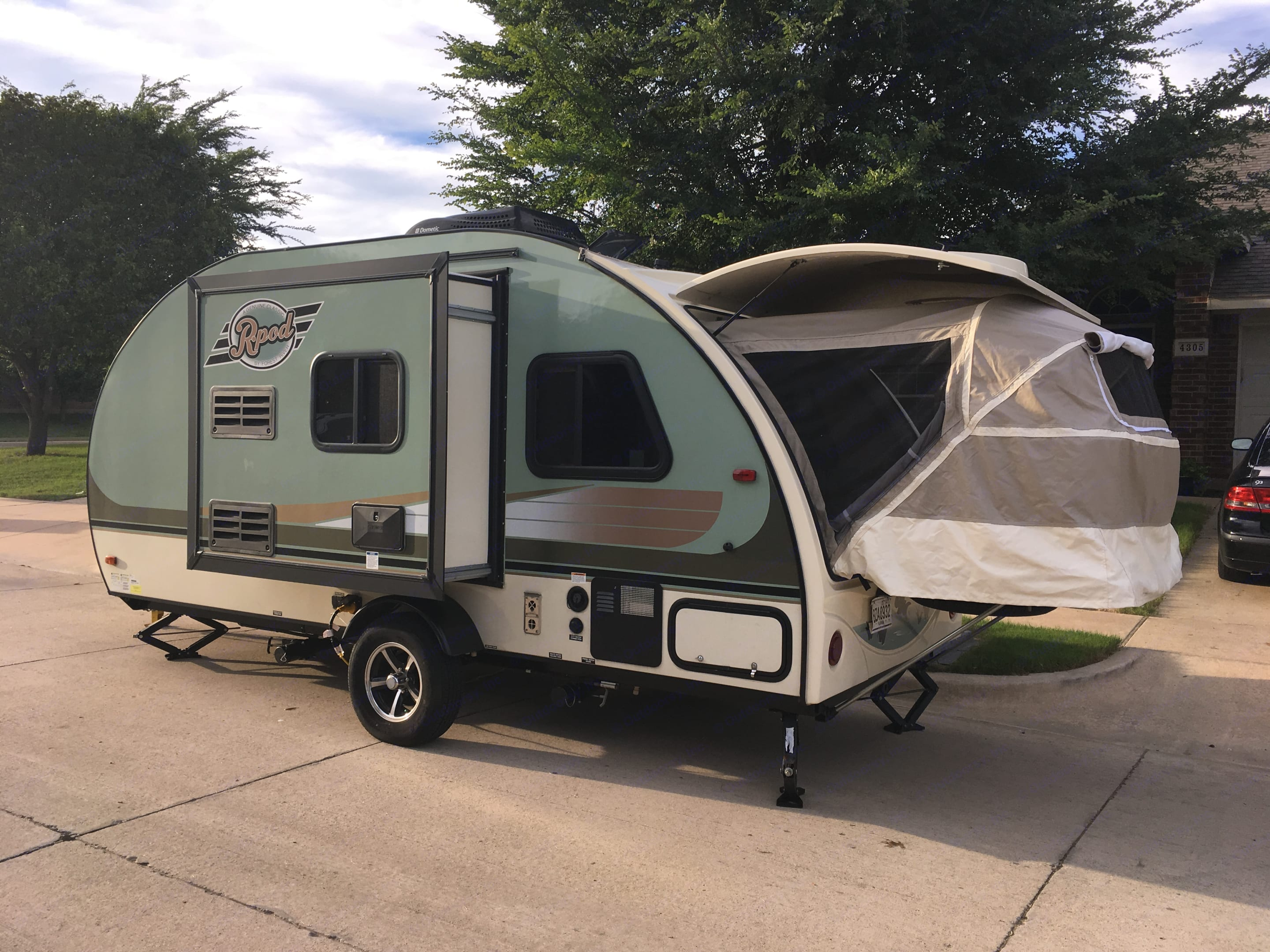Forest River R-Pod 2017