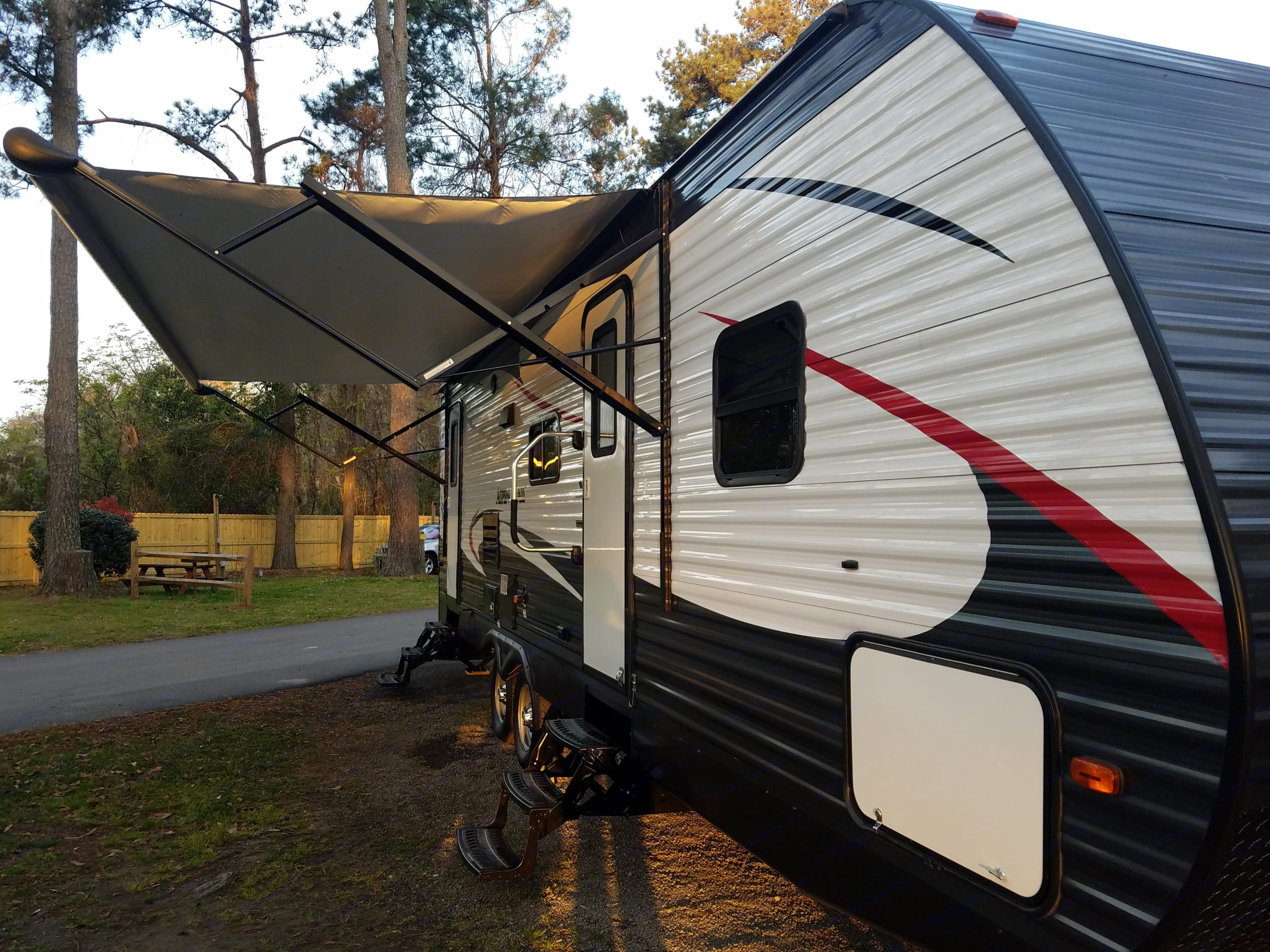 2 entrances, one in the bathroom and one in the kitchen. Awning is electric.. Dutchmen Aspen Trail 2016