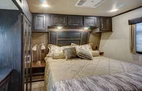 Master Bedroom. fuzion 420 bunkhouse + king bed 2016
