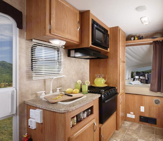 Yes we cook here!  We pull over at rest stops and cook a pizza in the oven too!. Jayco Jay Feather Exp 2009