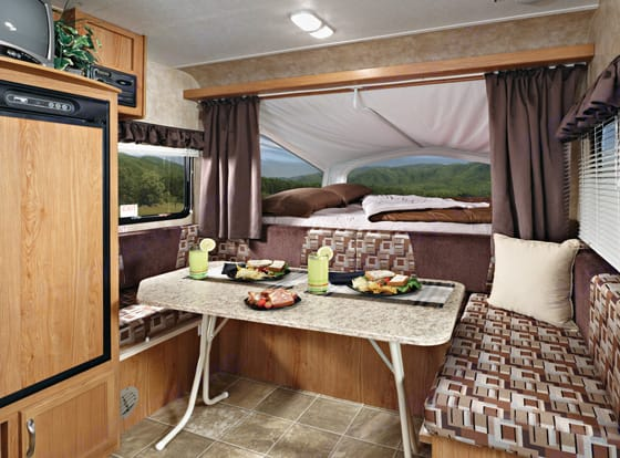 Table makes into a bed too!. Jayco Jay Feather Exp 2009