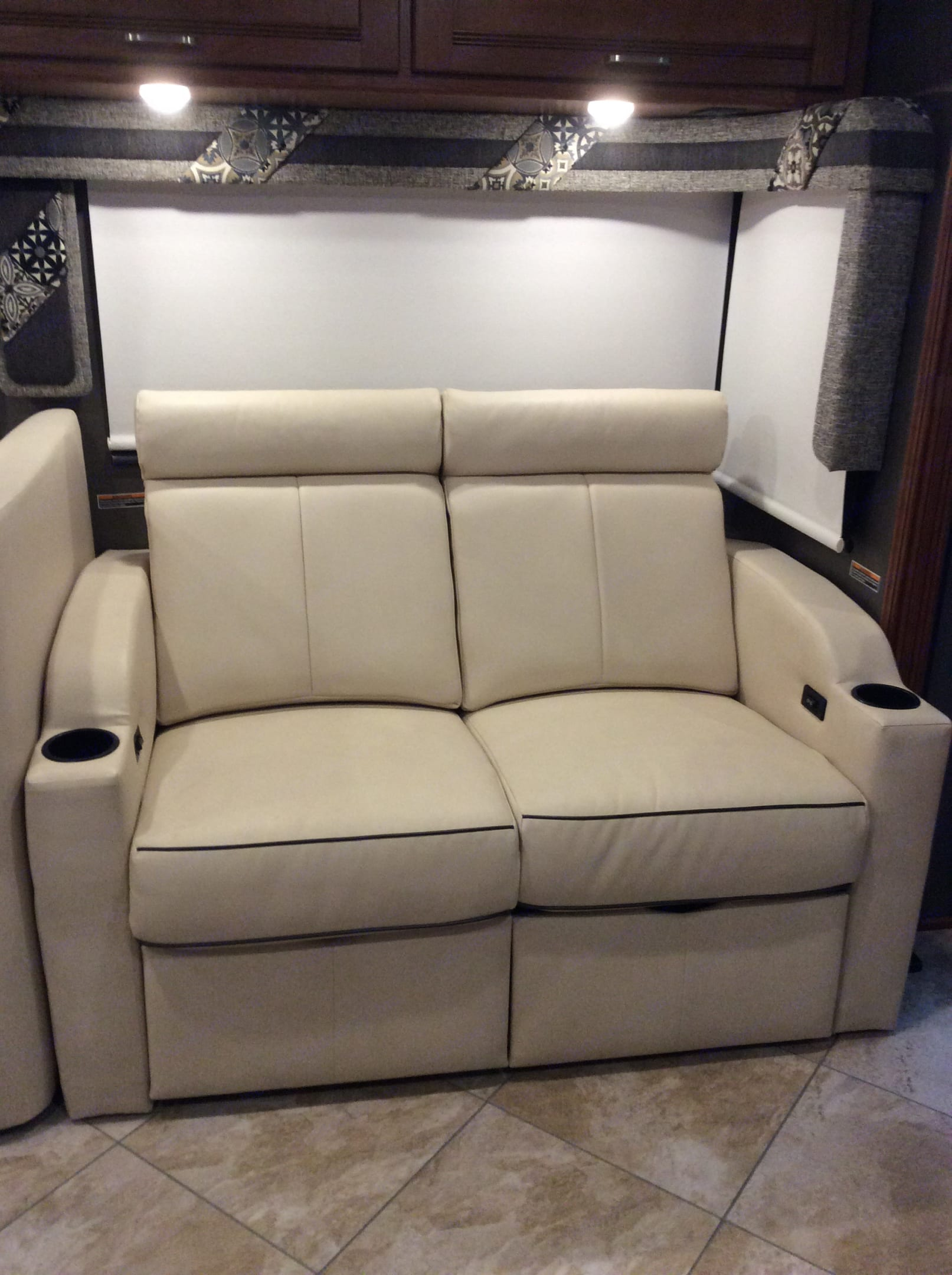Comfortable reclining seats that converts into a sleeping area. Winnebago Forza 2017