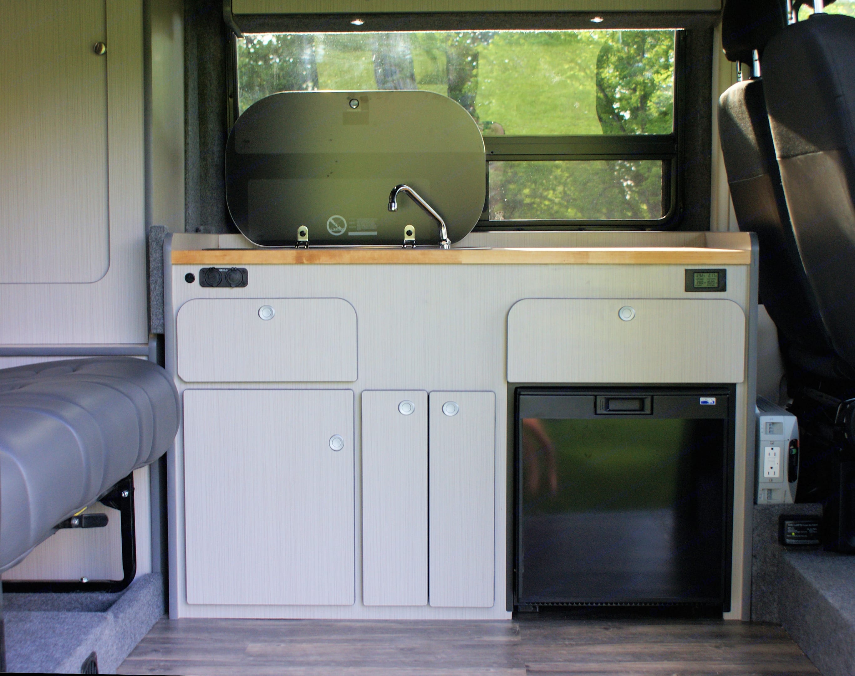 Sink and Stove and Drawers. Dodge Promaster 2017