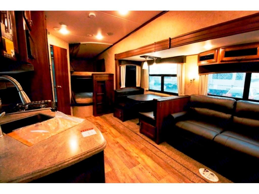With slide open the living and dining area are very spacious. Jayco Eagle 2016