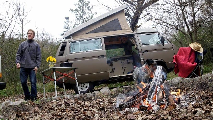 No headache set up. Drive in, pop the top, done.. Volkswagen Vanagon 1986