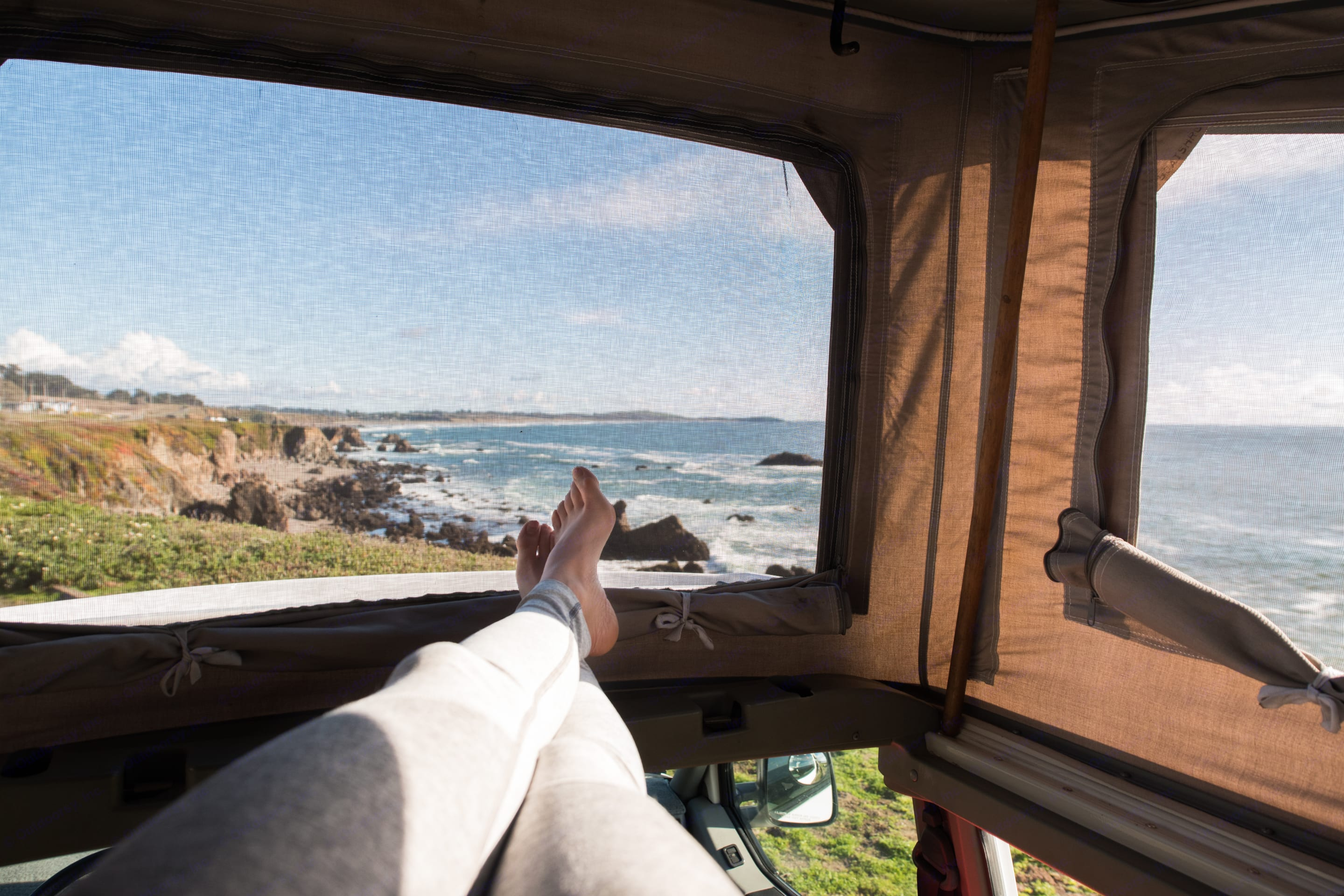 Get some R&R while taking in panoramic views. Volkswagen Eurovan Camper 1995