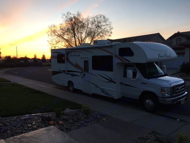 Just imagine the sunsets you will see..... Thor Motor Coach Four Winds 2012